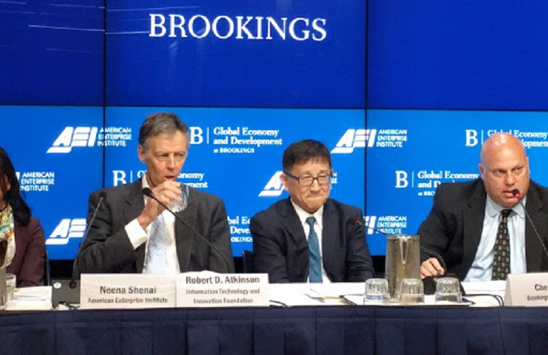 In U S -China Trade Dispute, Continuing to Impose Tariffs